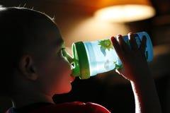 Criança sedento fotos de stock