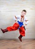 Criança ucraniana que executa uma dança tradicional Imagens de Stock Royalty Free