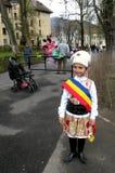 Criança vestida em um terno tradicional fotografia de stock royalty free