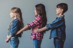 Crianças à moda felizes Foto de Stock