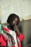 Crianças africanas em uma escola fotos de stock