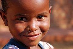 Crianças africanas que sofrem do vírus do SIDA na vila de Pom Foto de Stock