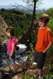 Crianças ao ar livre Fotos de Stock