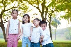 Crianças ao ar livre do divertimento Imagens de Stock