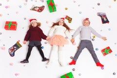 Crianças 2016 bonitos de Black Friday do Feliz Natal Fotos de Stock