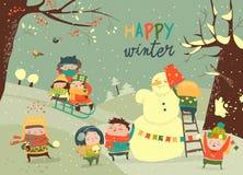 Crianças bonitos que jogam jogos do inverno Fotos de Stock Royalty Free