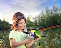 Crianças com brinquedo airplan Fotografia de Stock