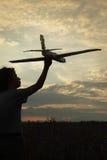 Crianças com brinquedo airplan Imagens de Stock