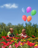 Crianças com flores e colagem dos balões Fotografia de Stock Royalty Free