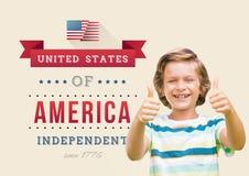 Crianças com os polegares para do 4o julho Fotos de Stock Royalty Free