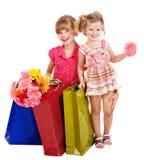 Crianças com saco de compra. Fotografia de Stock Royalty Free