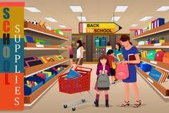 Crianças com seus pais que compram fontes de escola Imagens de Stock Royalty Free