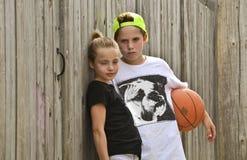 Crianças da cesta imagem de stock
