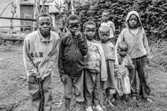 Crianças de Ilkiding'a, vila do Masai de Waarusha Imagens de Stock Royalty Free