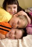 Crianças de sorriso fotos de stock