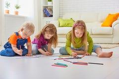 Crianças do desenho imagem de stock royalty free