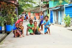 Crianças do Papuan em Manokwari fotografia de stock