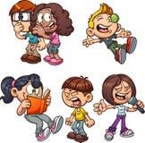 Crianças dos desenhos animados que executam ações diferentes ilustração royalty free