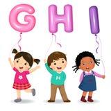 Crianças dos desenhos animados que guardam balões dados forma GHI da letra ilustração royalty free