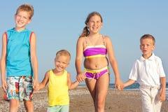 Crianças e o mar. Fotos de Stock
