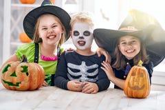 Crianças em Halloween Fotos de Stock