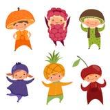 Crianças em trajes do fruto Vector imagens da vária roupa engraçada para crianças ilustração do vetor