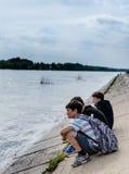 Crianças em Ufa Rússia que relaxa Fotos de Stock Royalty Free