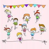 Crianças felizes dos desenhos animados do desenho da mão que correm a maratona Imagem de Stock Royalty Free