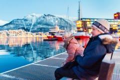 Crianças fora no inverno Imagens de Stock Royalty Free