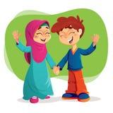 Crianças muçulmanas bem sucedidas que expressam a felicidade Imagens de Stock