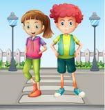 Crianças na pista pedestre ilustração royalty free