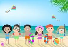 Crianças na praia Encalhe a recreação do ` s das crianças, ` s c das crianças Fotografia de Stock