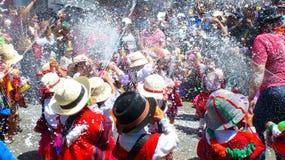Crianças no carnaval em Cuenca, Equador fotografia de stock royalty free