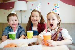 Crianças no partido fotos de stock
