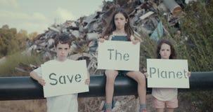 Crianças para a terra do planeta video estoque