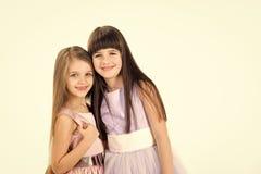 Crianças pequenas das meninas no vestido bonito Fotografia de Stock