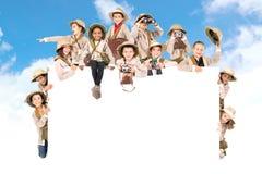 Crianças prontas para a aventura imagem de stock