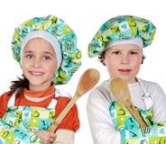Crianças que aprendem cozinhar Imagem de Stock Royalty Free
