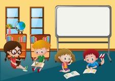 Crianças que aprendem na sala de aula Fotografia de Stock