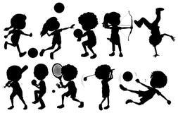 Crianças que contratam em esportes diferentes ilustração royalty free