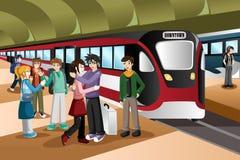 Crianças que dizem o adeus no estação de caminhos-de-ferro Imagem de Stock