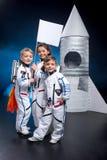 Crianças que jogam astronautas Foto de Stock