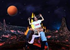 Crianças que jogam e que imitam o vulcão ilustração stock
