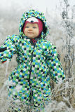 Crianças que jogam no campo do inverno Imagens de Stock Royalty Free
