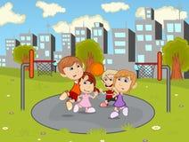 Crianças que jogam o basquetebol nos desenhos animados do parque da cidade Imagens de Stock Royalty Free