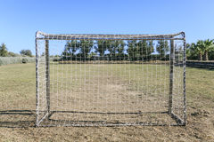Crianças que jogam o futebol Fotos de Stock Royalty Free