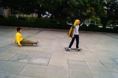 Crianças que jogam a polia Foto de Stock Royalty Free