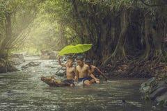Crianças que nadam Foto de Stock