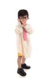 Criança asiática pequena que finge ser homem de negócios Imagens de Stock Royalty Free