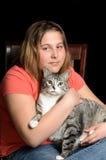 Criança e gato Fotos de Stock